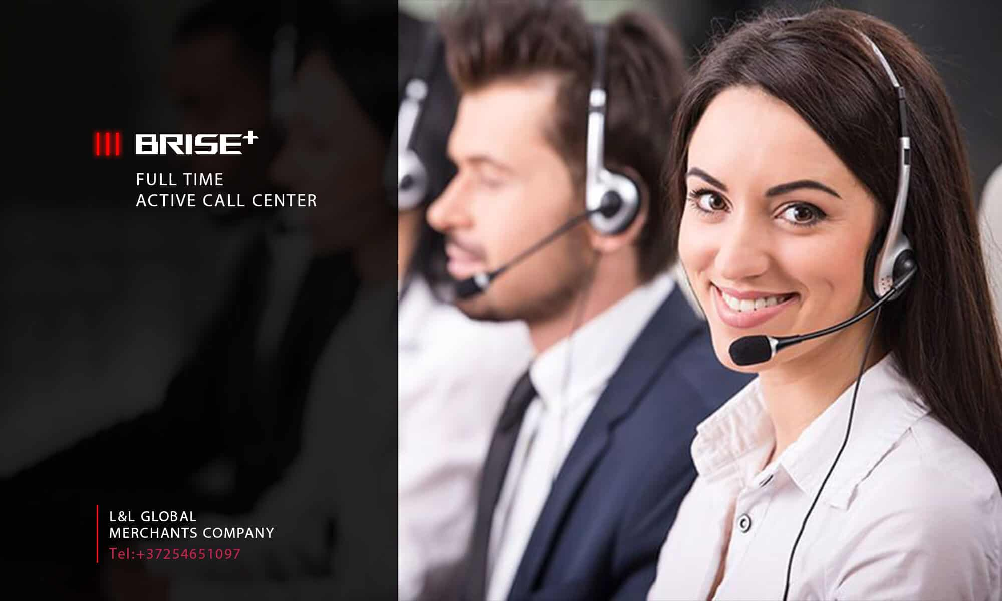 BRISE PLUS WOMEN ON CALL CENTER WITH HEAD SET